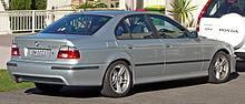220px-2000-2003_BMW_530i_(E39)_Sport_sedan_01